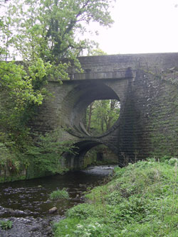 Circular arch bridge in Bannockburn. Click for larger image.